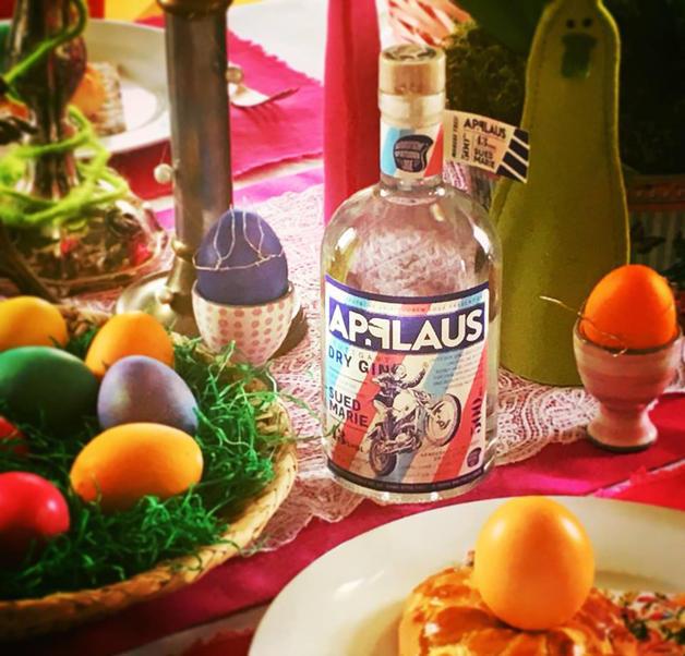 Isländisch Frohe Weihnachten.Frohe Ostern Applaus Stuttgart Dry Gin